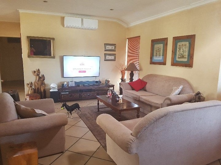 Pet Friendly Holiday Home in Melkbosstrand