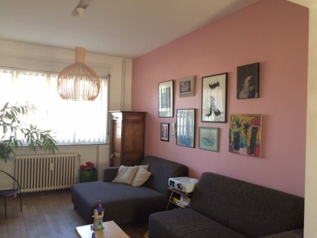 Cosy House Brussels - Ideal Location - Saint-Gilles - Casa adossada