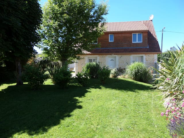 Charming cottage for 4-5 people - Saint-Léonard