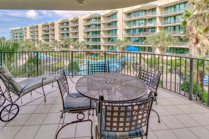 Upscale condo w/ easy beach access, shared pool, hot tub, & on-site water park