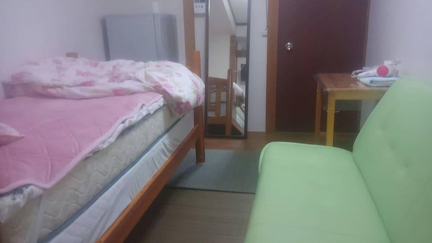 도쿄 메죤패밀리아(1인실E 3500엔)1People RoomE