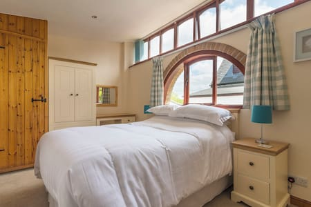 Lighty cottage, a countryside retreat - Highampton