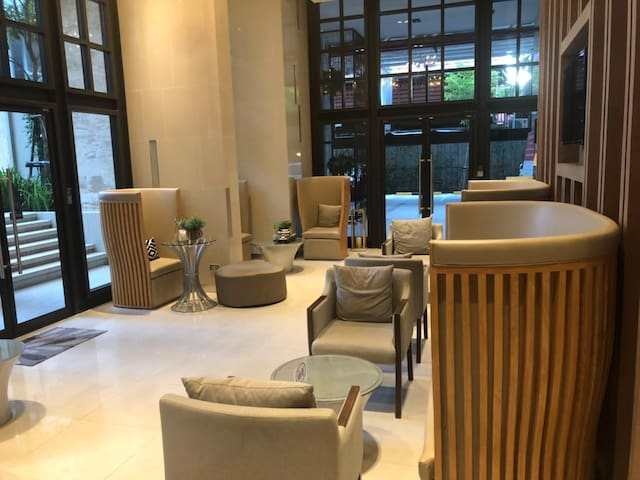 Nest Sukhumvit 22 by FlexStay Rentals