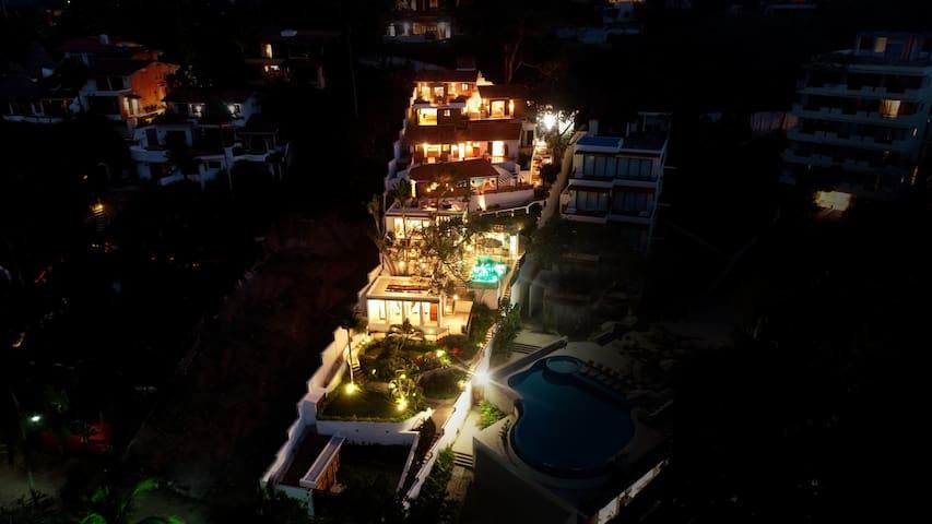 Casa Linda Theresia- Sayulita Beach Front