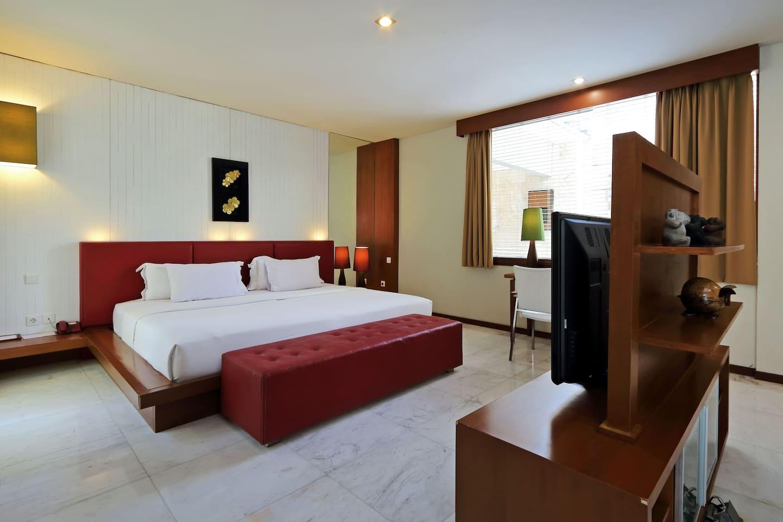 Junior Resort Room With Pool & Garden View