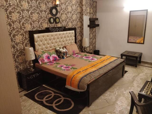 Standard Deluxe Room 2