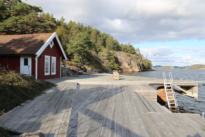 Fantastic views,  large jetty, boathouse, privacy