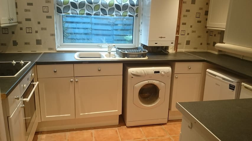 4 Bed house, perfect for business or leisure
