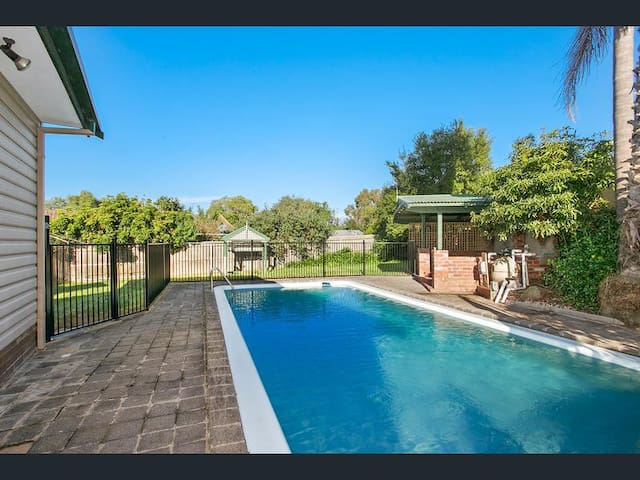 Escape the city! Entire spacious home with pool.