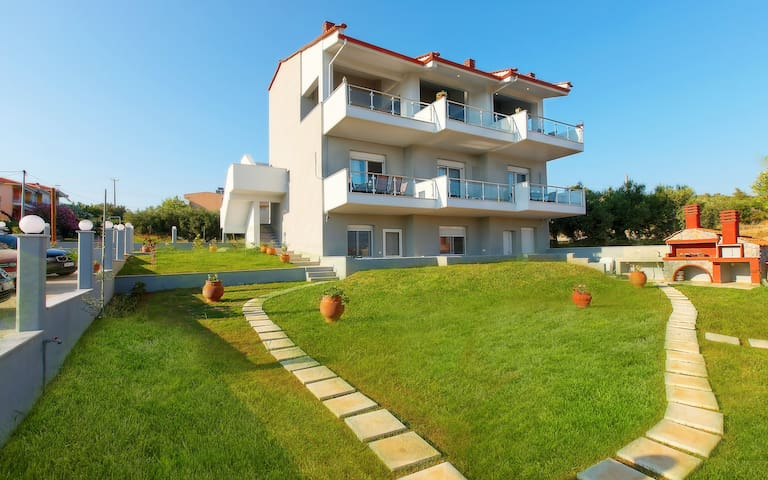Chalkidiki Seaside Luxury Complex-Up to 24guests
