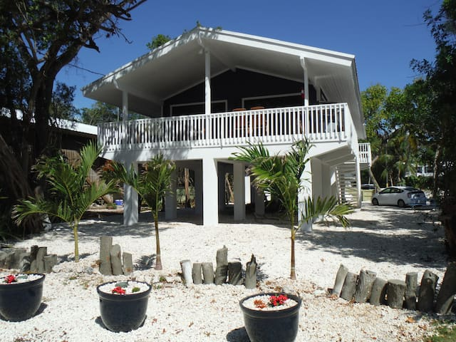New listing - Newly Renovated Private Single Home - Key Largo - House