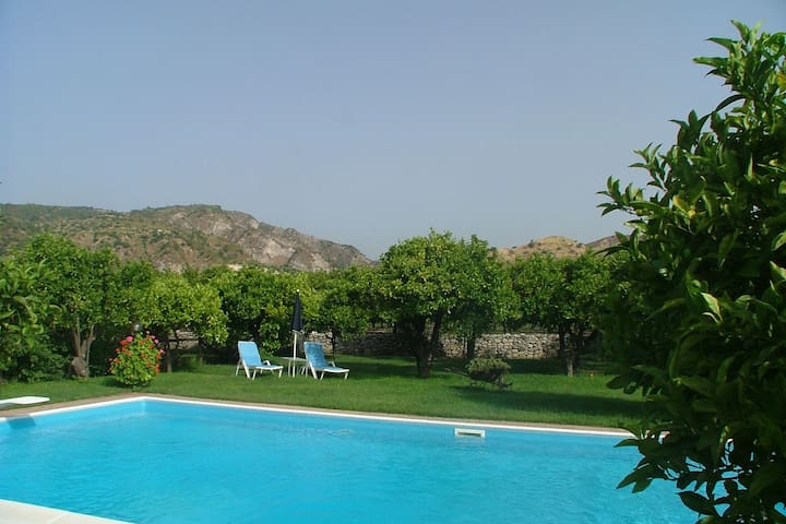 Beautiful Holiday Home in Stilo with Swimming Pool