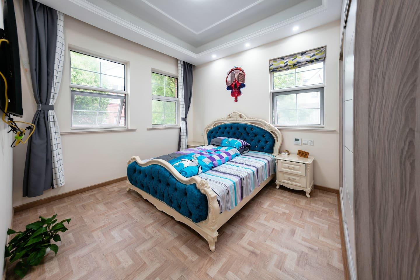 迪士尼乐园米拉别墅漫威大床房