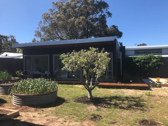 Sunny, self contained studio, MR - NO CLEANING FEE - Margaret River - House