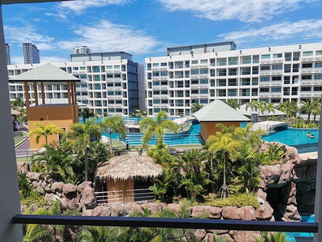Уютная квартира с видом на бассейн в г. Pattaya528