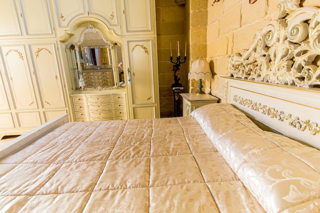 Bed and Breakfast Acaya Rugge Camera Afrodite - dettaglio letto