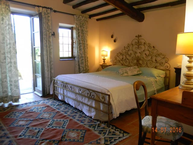 Elegant Country house set in  a lovely garden - Casale marittimo
