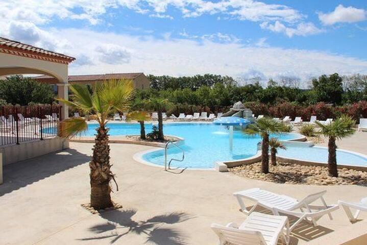 villa T2 dans résidence de vacances avec piscine