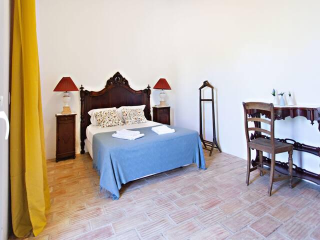 São Teodoro Guesthouse - Room António Aleixo