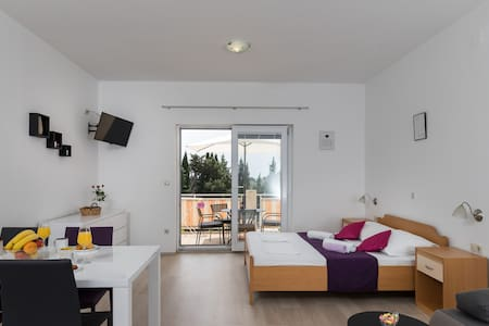 studio 1, 250 m from beach-parking