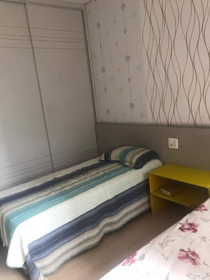 Quarto Inteiro (duas camas) Centro BH