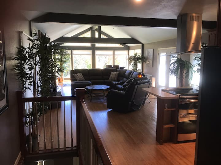 Tan-Tar-A Vacation Home on Golf Course & Lake View