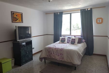Great place in capital city R3 - Guatemala City - Huis