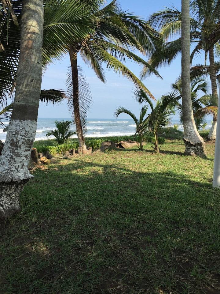 Costa Esmeralda, casa con playa propia