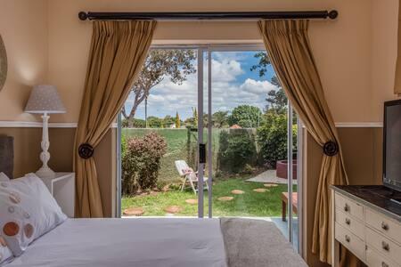 Mill Park Budget Bedroom with En Suite