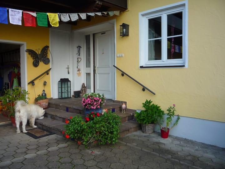Lebendiges Familenhaus mit kl. Einliegerwohnung