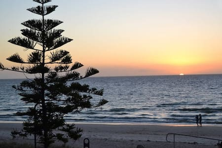 Beachfront Apartment - Henley Beach - Henley Beach