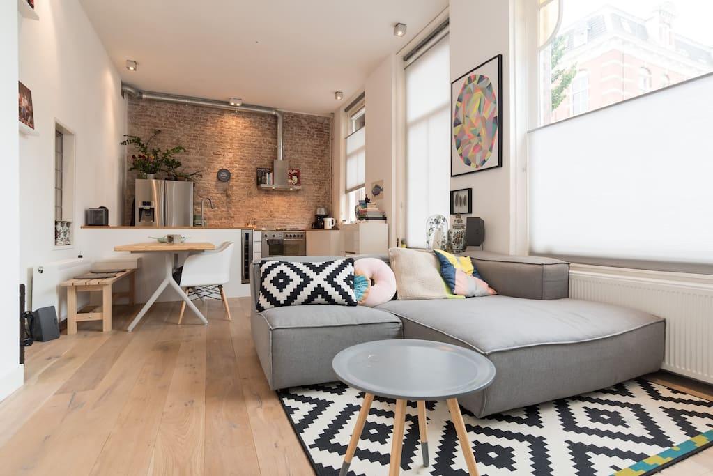 Bright apartment in the jordaan appartementen te huur in for Design apartment jordaan