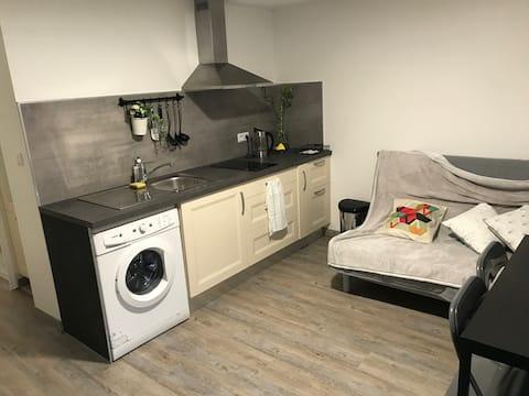 Petit appartement avec terrasse