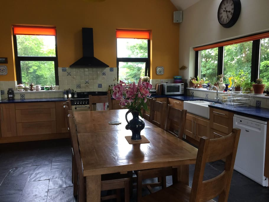 Bright spacious kitchen, all facilities to cook your own meals