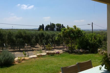 A House with great view in Kibutz - Lehavot Haviva - Talo