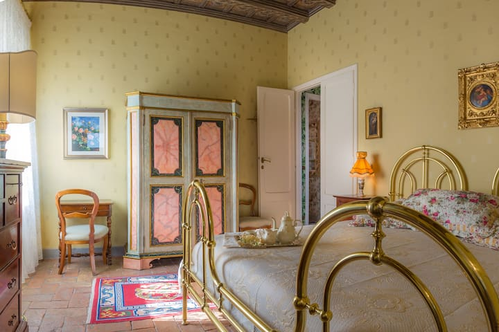 Superior @ Casina degli Specchi, Historic house