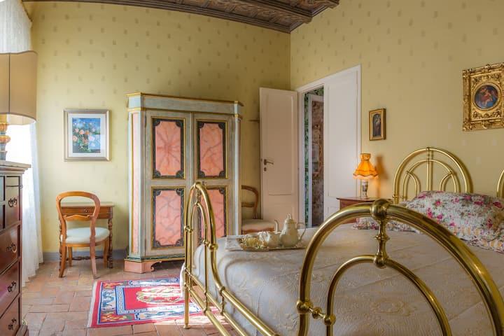 Superior @ Casina degli Specchi, Historic house