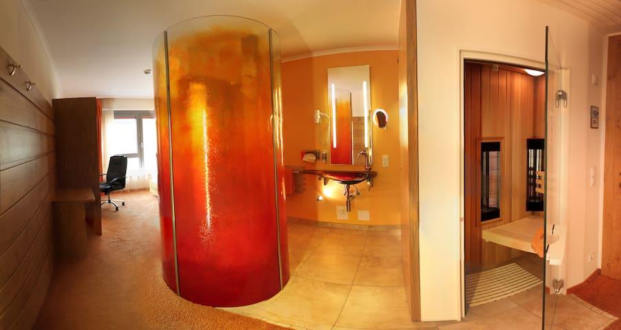 Zimmer mit Luxus-Bad EZ