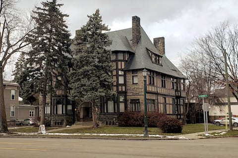 Historic Home on Center Ave, Bay City - The Weber