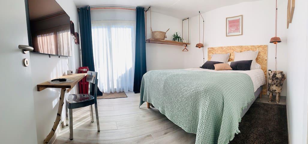 Chambres chez l'habitant, piscine, jardin-Colmar