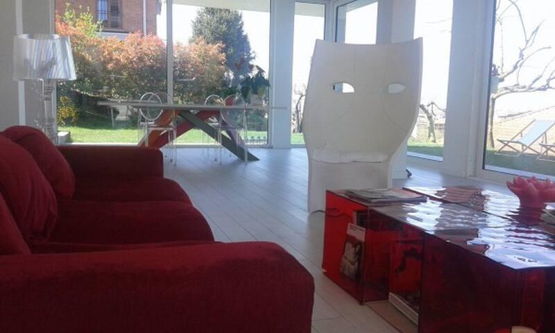 Camera + bagno privato + colazione + wifi in villa