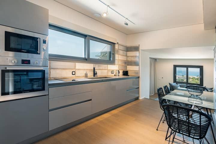 Harmony SeaView Villa w Jacuzzi|Onira Suite Dreams