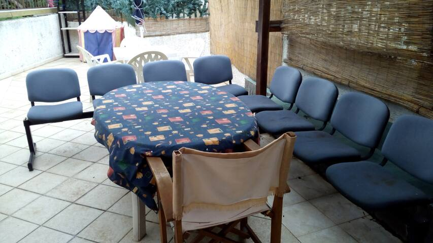 INTERA CASA IN CENTRO, CUCINA, 2 BAGNI, VERANDA - Reggio Calabria - Rumah