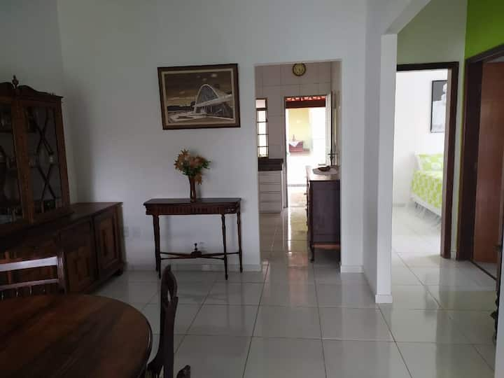 Casa espaçosa e bem localizada em Bom Despacho