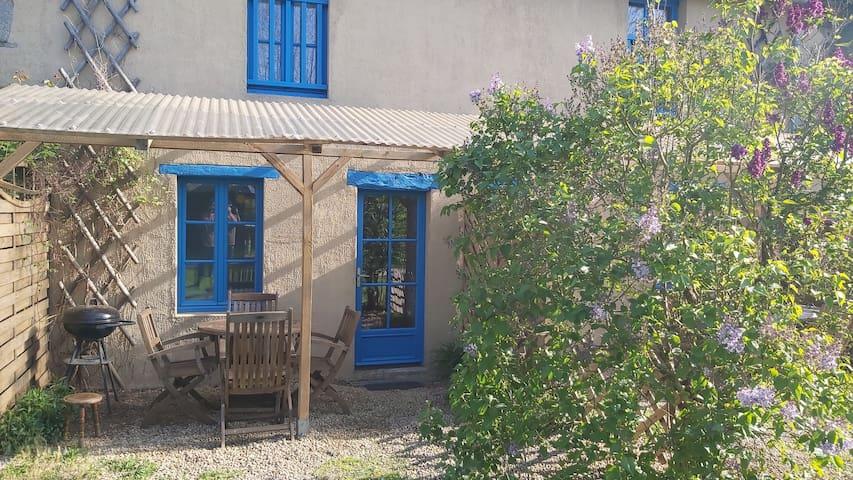 Gîte  Pointe du Grouin Tout confort vue sur Jardin