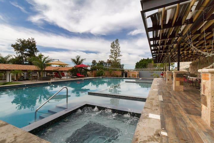 La Pileta hermosa casa nueva con acceso a alberca