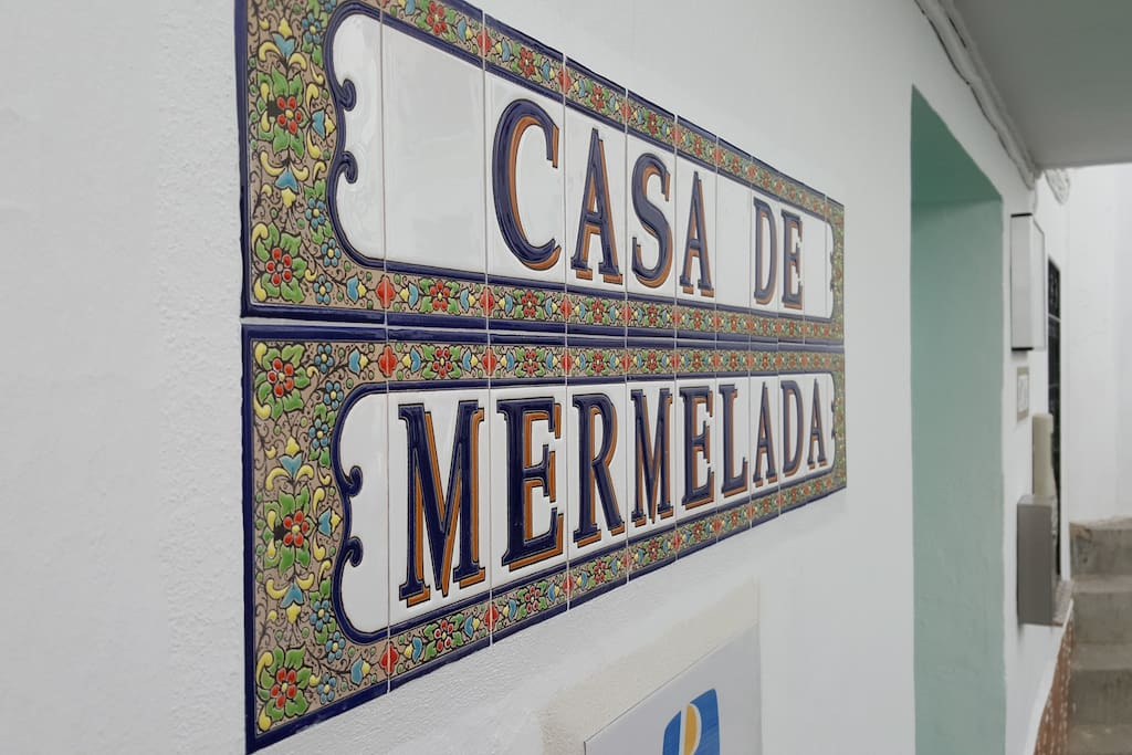 Casa de Mermelada is a 4 bedroom Traditional town house and a separate 1 bedroom apartment.