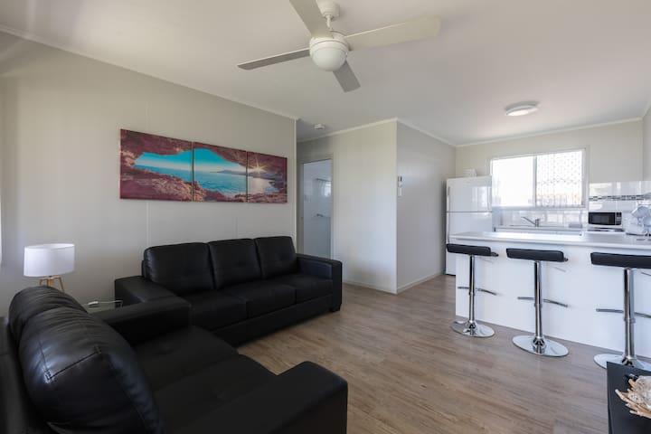 (3) Kirra/ Cooly Beach Apartment - Coolangatta - Byt