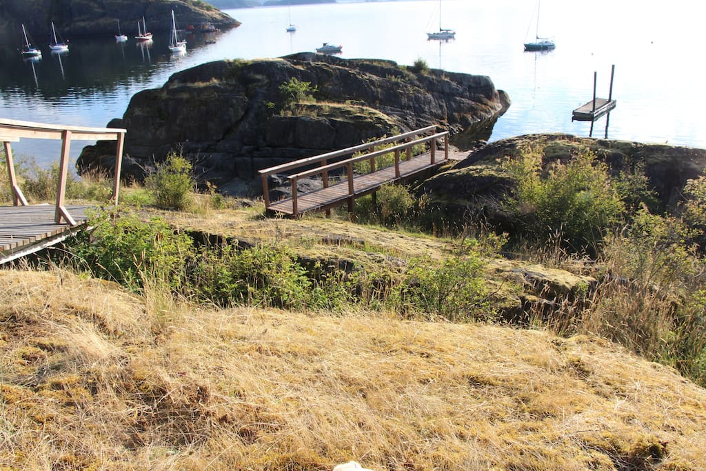 Hike down to the waterfront, dock, and your own Mink Island!