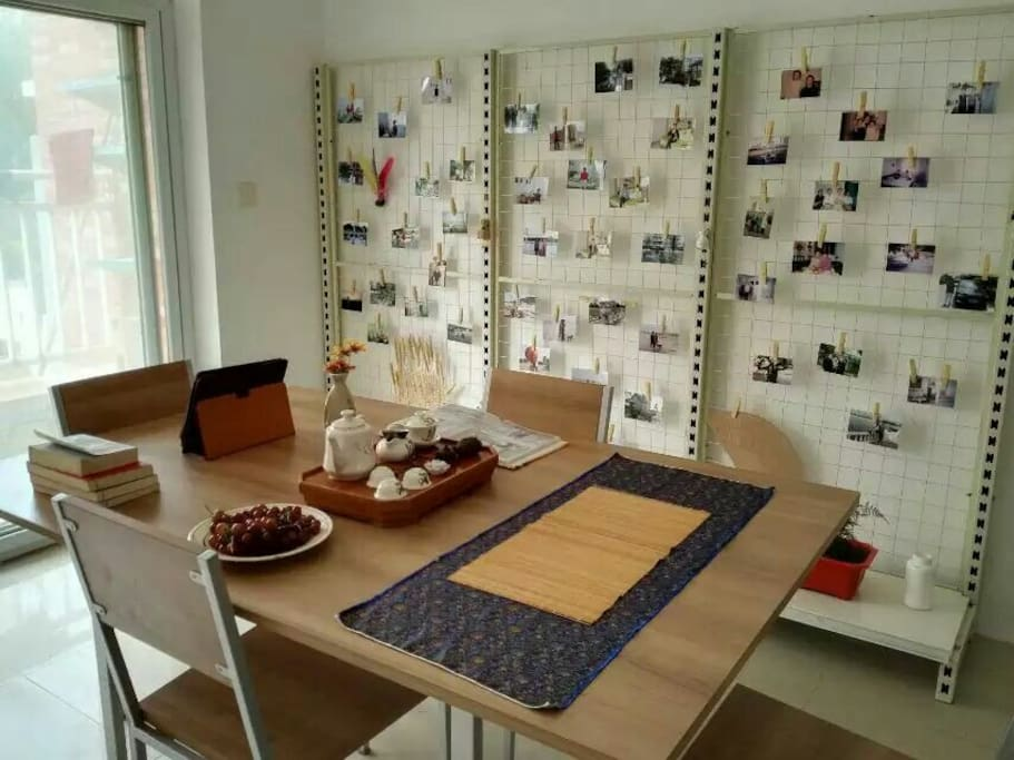 客厅茶台书桌照片墙1